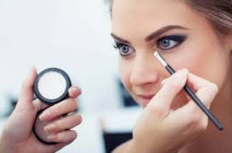 Curs de Make-up autorizat, pentru un viitor asigurat