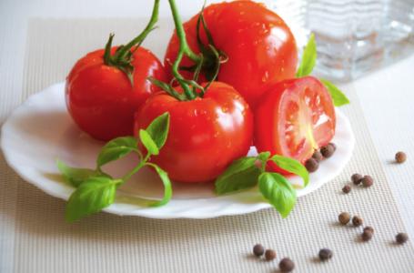 7 alimente din bucătăria ta ce susțin o hidratare corespunzătoare