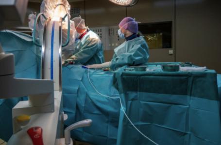 10 situații în care este recomandată implantarea unui defibrilator cardiac