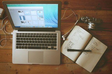 Vrei sa oferi un laptop ca si cadou de Paste? Iata cum il alegi